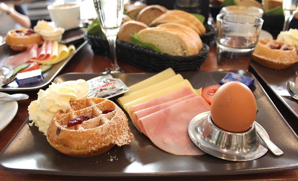 Kitschick Breakfastclub Brunch